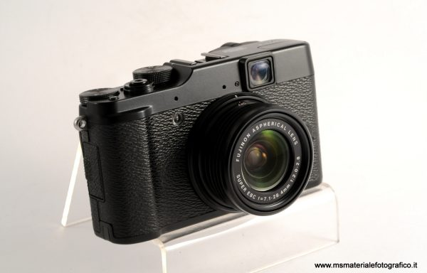 Fotocamera Fujifilm X-10