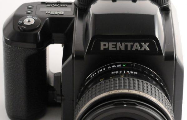 Kit Fotocamera Pentax 645N + Obiettivo Pentax 45mm f/2,8