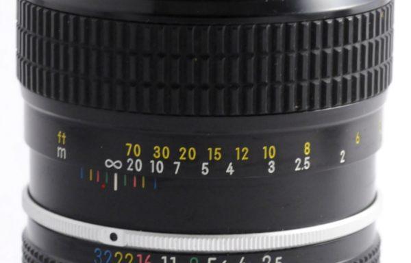 Obiettivo Nikkor 105mm f/2,5