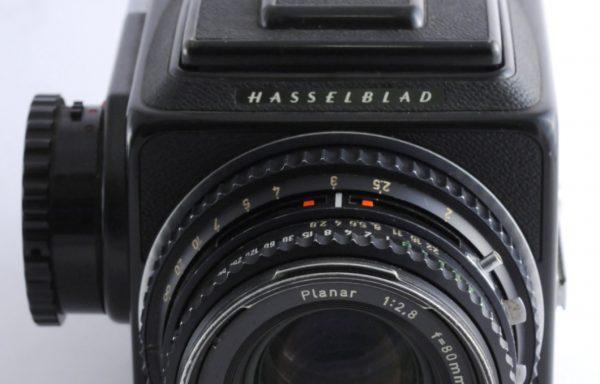 Kit Fotocamera Hasselblad 500 C/M + Magazzino A12 + Obiettivo Hasselblad Planar 80mm f/2,8
