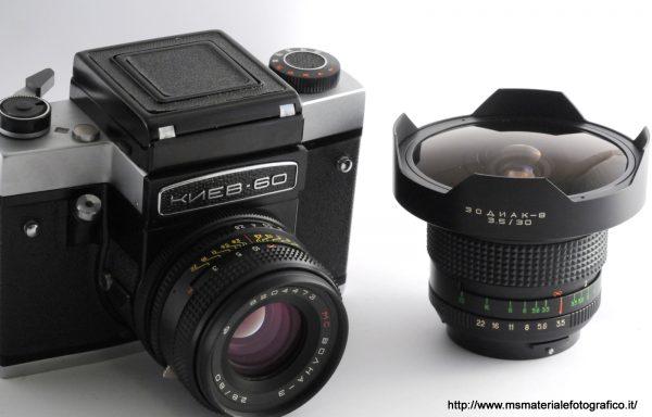 Kit Fotocamera Kiev 60 + Obiettivo Volna-3 80mm f/2,8 + Obiettivo Zodiak-8 30mm f/3,5