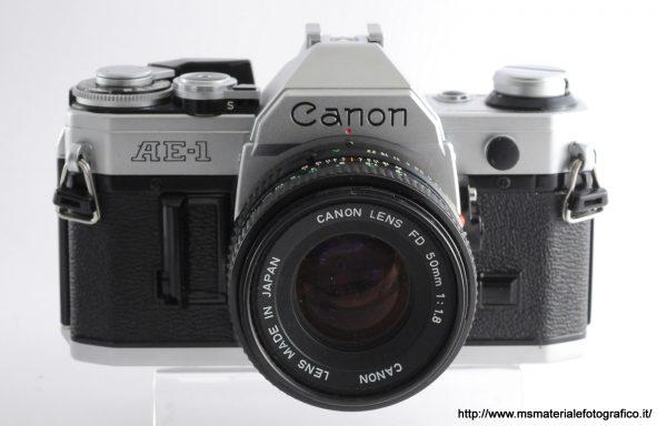 Kit Fotocamera Canon AE-1 + Obiettivo Canon FD 50mm f/1,8