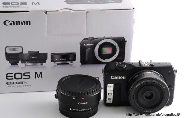 Kit Fotocamera Canon EOS M + Obiettivo Canon EF-M 22mm f/2 + Mount Adapter EF-EOS M + Flash Canon Speedlight 90EX