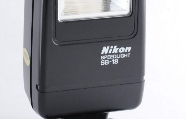Flash Nikon Speedlight SB-18