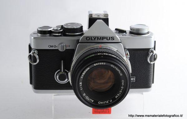 Kit Fotocamera Olympus OM-2n + Obiettivo Olympus 50mm f/1,8