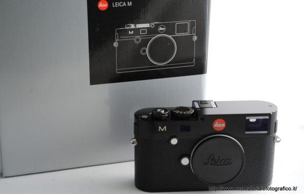 Fotocamera Leica M (Typ 240) Black + Half Case in pelle Originale Leica