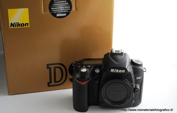 Fotocamera Nikon D90 (3600 scatti) + Multi Power Battery Pack MB-D80 in omaggio