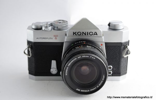 Kit Fotocamera Konica Autoreflex T + Obiettivo Konica Hexanon AR 28mm f/3,5