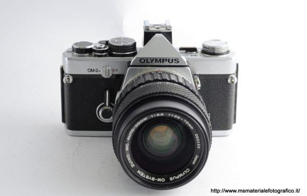 Kit Fotocamera Olympus OM-2n + Obiettivo Olympus 35-70mm f/3,6
