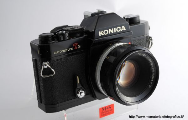 Kit Fotocamera Konica Autoreflex T3 + Obiettivo Konica Hexanon AR 52mm f/1,8