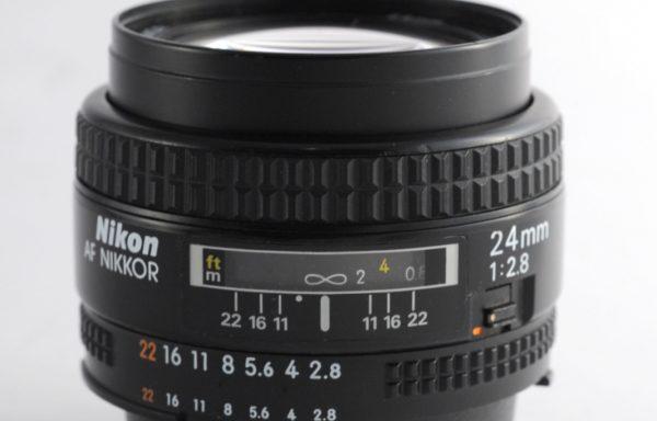 Obiettivo Nikkor AF 24mm f/2,8