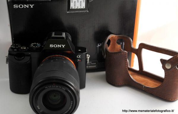 Kit Fotocamera Sony Alpha 7R + Obiettivo Sony FE 28-70mm f/3,5-5,6