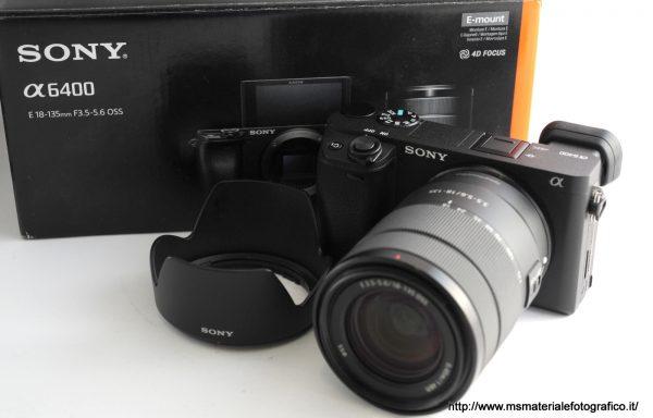 Kit Fotocamera Sony Alpha 6400 + Obiettivo Sony E 18-135mm f/3,5-5,6 OSS