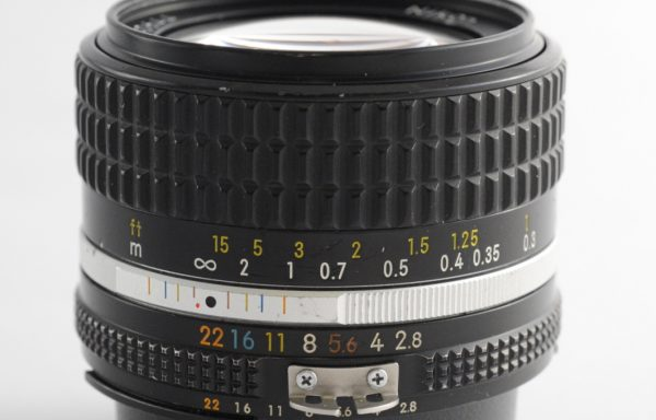 Obiettivo Nikkor AI-S 28mm f/2,8