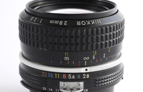 Obiettivo Nikkor AI 28mm f/2,8