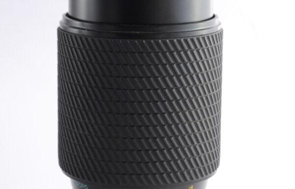 Obiettivo Tokina 80-200mm f/4,5 per Nikon AI