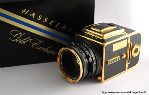 Kit Fotocamera Hasselblad 500 C/M Gold Exclusive (30th anniversary)