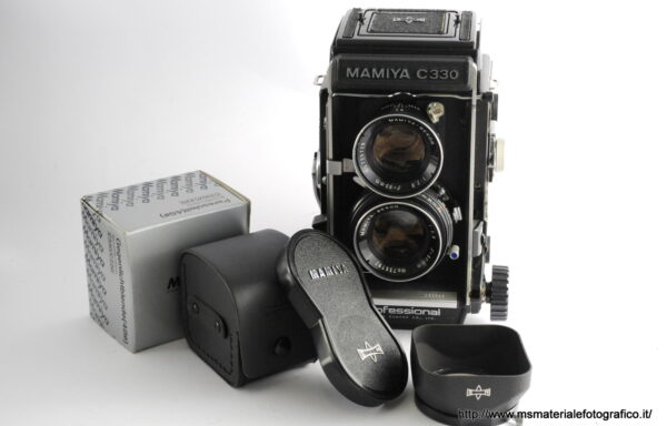 Fotocamera Mamiya C330 + Obiettivo Mamiya Sekor 80mm f/2,8 blue dot