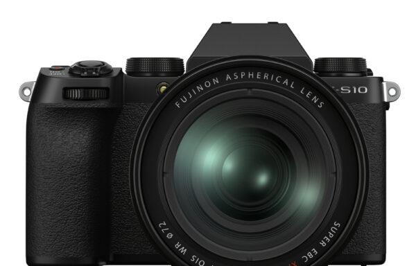 Kit Fotocamera Fujifilm X-S10 + Obiettivo Fujifilm XF 16-80mm f/4 R OIS WR