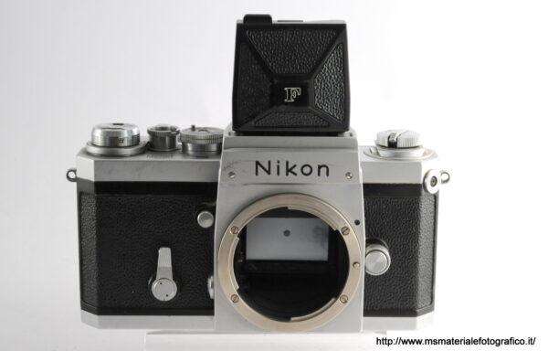 Fotocamera Nikon F con mirino a pozzetto